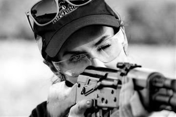 gun blackandwhite